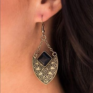 Paparazzi Brass Earrings With Black Stone